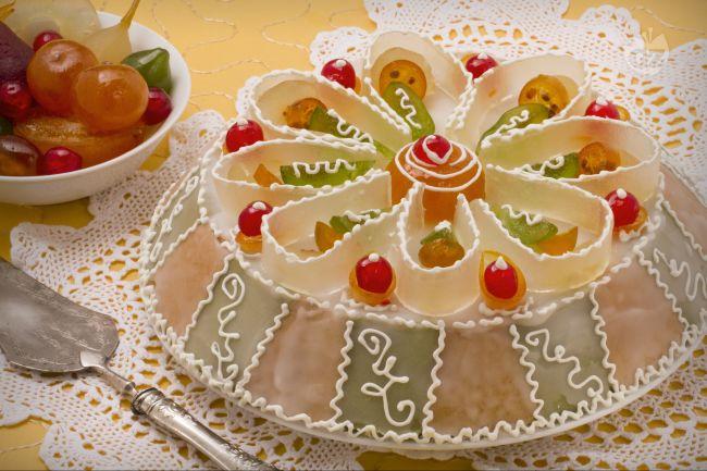 Cassata siciliana. Un trionfo di frutta candita per il dolce siciliano più conosciuto.