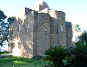 Castelvetrano. Immersa nel verde la Santissima Trinità di Delia