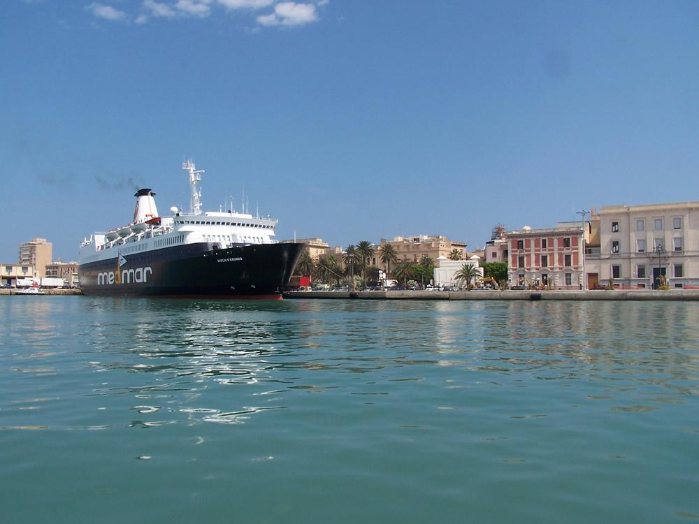 Porto di Trapani, partenza ideale per una crociera nel Mediterraneo