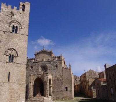 Erice borgo medievale, una terrazza sul Mediterraneo